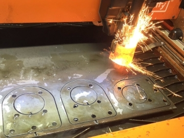 Grizzly Bespoke Fabrications Plasma cut metal signs and logos