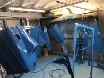 Grizzly Bespoke Fabrications Shot blasting and paint booth